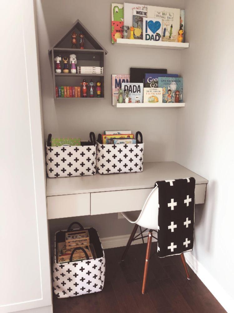 amadeos book corner 3
